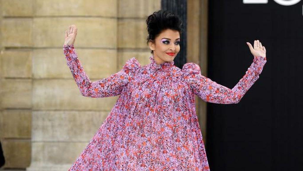Penampilan Aishwarya Rai di Show LOreal Disindir Mirip Kostum Halloween