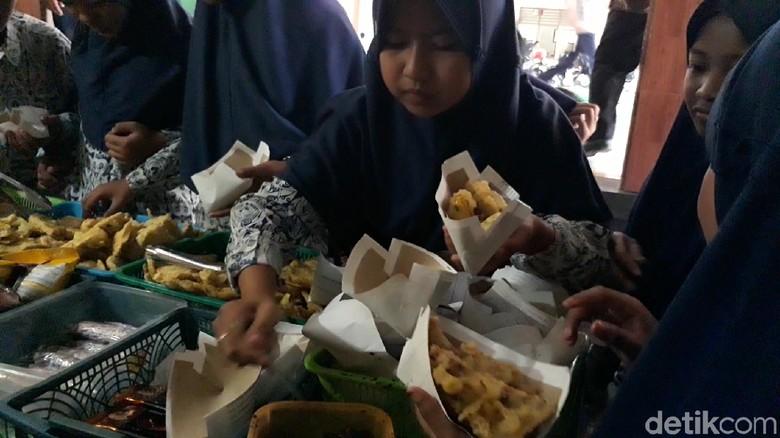 Layak Dicontoh, Pemkab Brebes Larang Plastik di Kantin Sekolah