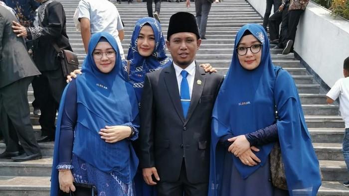 Anggota DPR F-NasDem Lora Fadil dan tiga istri (dok. pribadi)