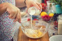 Jangan Dibuang! Susu Basi Bisa Dimanfaatkan untuk 6 Hal Ini