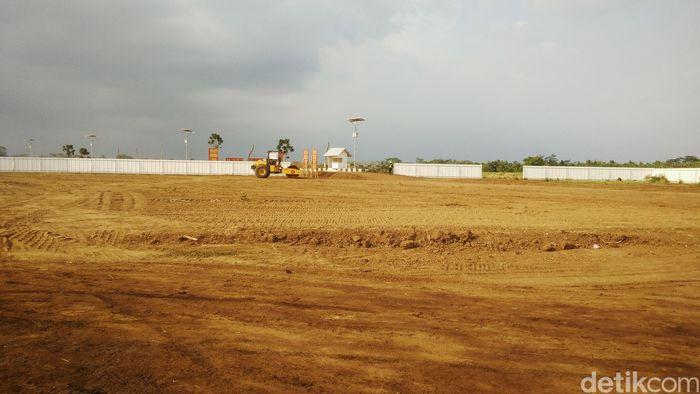 Target tahun ini adalah terminal harus sudah mulai dibangun. Dan desain terminal bandara Jenderal Besar Soedirman baru selesai Minggu depan dan pembangunan terminal dimulai pada bulan November 2019.