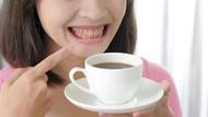 5 Trik Ini Bisa Memudarkan Noda Kopi Pada Gigi