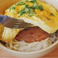 5 Tempat Makan Olahan Telur Hits, dari Rice Bowl hingga Sushi