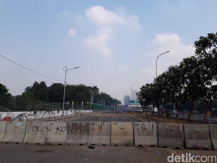 Foto: Lalu lintas jelang demo buruh depan DPR 2 Oktober 2019. (Rahel NC/detikcom)
