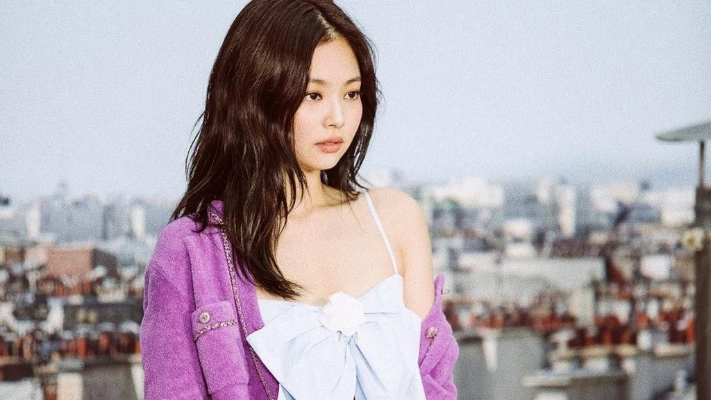 Foto: Penampilan Cute & Classy Jennie Blackpink di Fashion Show Chanel