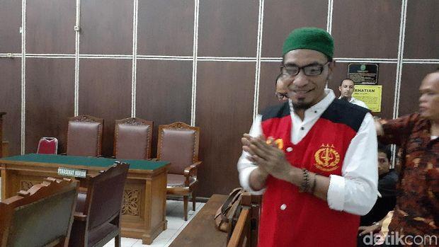 Abdul Gani Ngabalin alias Cobra Hercules dituntut 2,5 tahun penjara terkait kasus penyebaran ujaran kebencian