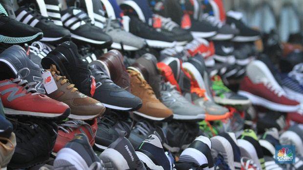 Banjir Sepatu Impor Vietnam: 'Berbaju' Nike, Reebok, New Bala