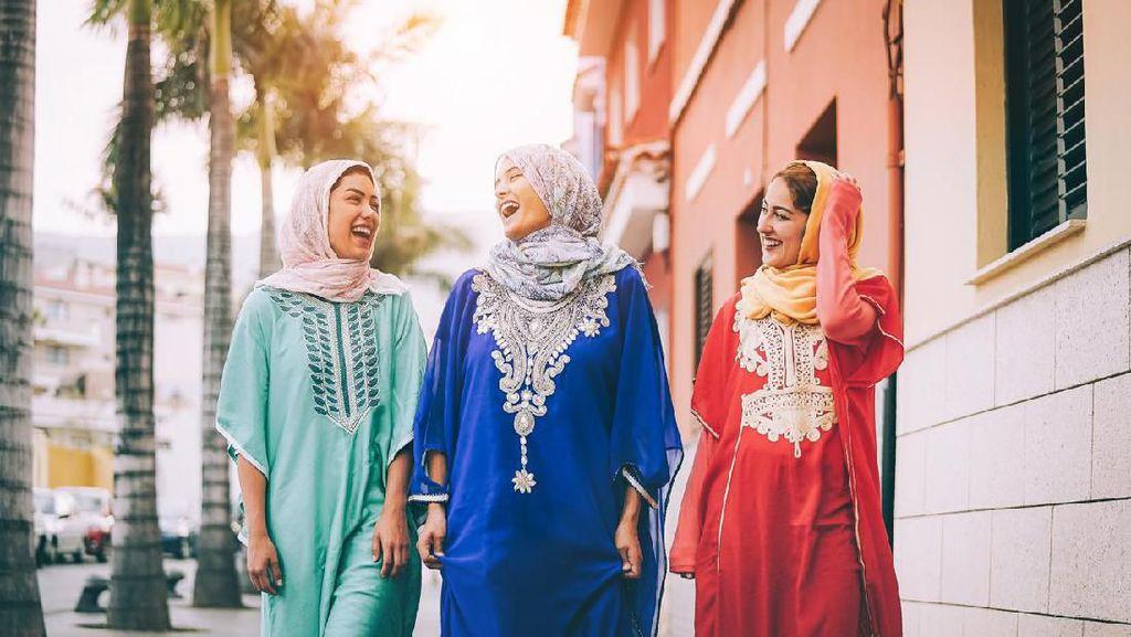 Haruskah Turis Wanita di Arab Saudi Pakai Jilbab?