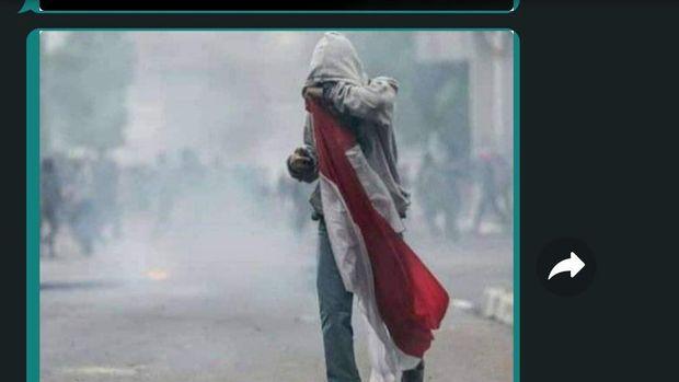 Celana Abu-abu Jadi Penyamaran, Lutfi Didakwa Merusuh di Senayan