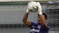 Sempat Dilarikan ke Rumah Sakit, Kiper Bali United Wawan Hendrawan Sudah Pulih