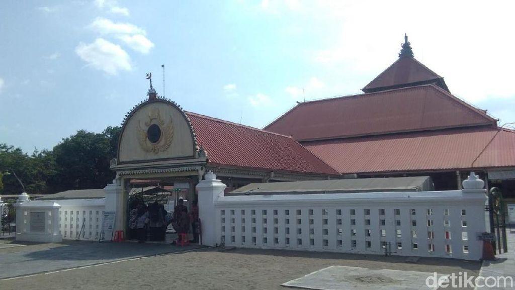 Masjid Kauman Yogya Belum Gelar Salat Jumat Besok, Ini Alasannya