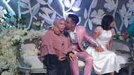 Cerita Sedih Ibu yang Dihalangi Masuk ke Pernikahan Putranya Sendiri Viral