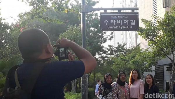 Jalan Surabaya-gil di Busan ini menjadi saksi 25 tahun kerja sama Sister City antara Kota Surabaya dan Busan di Korea Selatan. (Hilda/detikcom)
