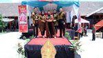 Seru! Fashion Show Peringati Hari Batik di SMKN 1 Sumedang