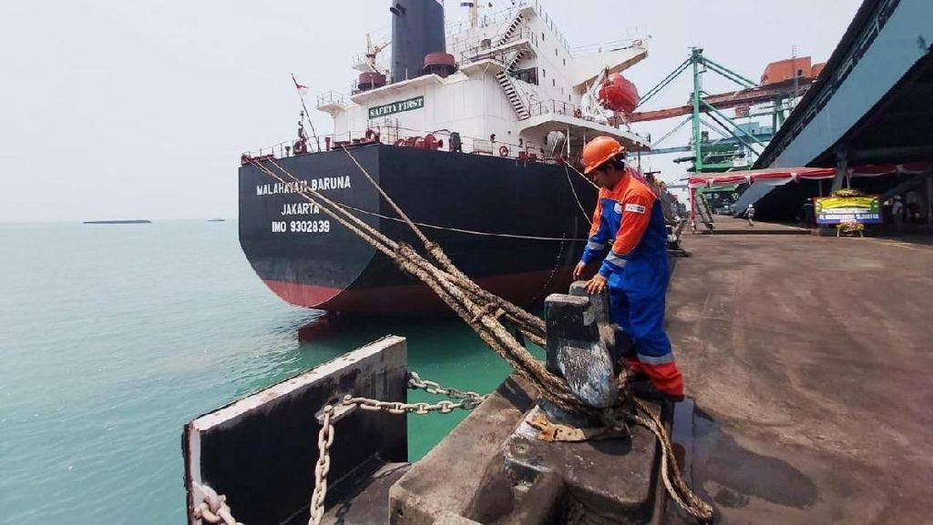 KM Malahayati Baruna Siap Pasok Batu Bara PLTU Sumatera