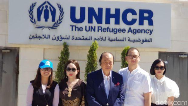 Dato Sri Tahir beri bantuan ke pengungsi