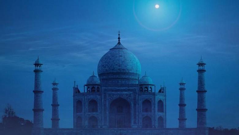 Taj Mahal di malam hari (Getty Images)