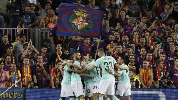 Inter sempat unggul 1-0 atas Barcelona di babak pertama.