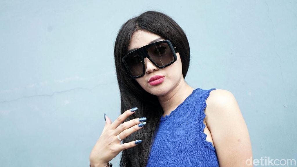 Foto dengan Hijab, Lucinta Luna Ngaku untuk Persiapan Pernikahan
