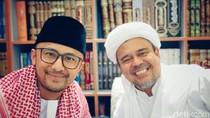 Obati Rindu, Hengky Kurniawan Bertemu Habib Rizieq Saat Umrah