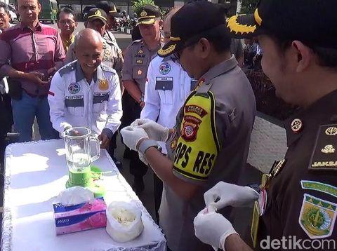 Polres Sumedang Musnahkan 392 Gram Sabu dan Kopi 'Perkasa'