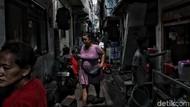 Polisi Sulit Pantau Penerapan PSBB DKI di Permukiman Padat Penduduk