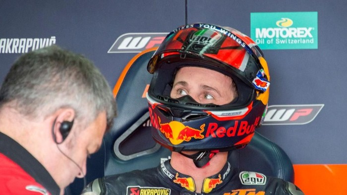 ALCANIZ, SPAIN - SEPTEMBER 21: Pol Espargaro of Spain and Red Bull KTM Factory Racing looks on in box during the MotoGp of Aragon - Qualifying on September 21, 2019 in Alcaniz, Spain. (Photo by Mirco Lazzari gp/Getty Images)