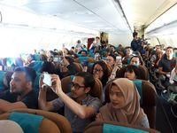 Terbang Naik Garuda Sambil Dihibur Lagu-lagu Hits Kahitna