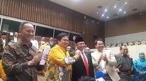 Melihat Kembali Keakraban Bamsoet-Airlangga Usai Pelantikan Ketua MPR