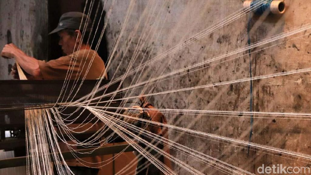 Industri Tekstil Babak Belur, Pengusaha: Stok Pakaian Numpuk