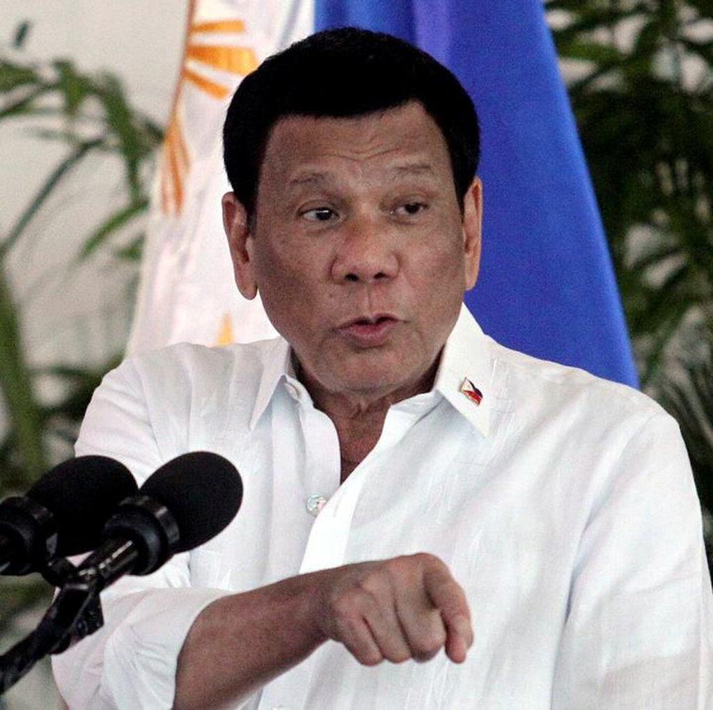 Sakit Tak Tertahankan, Duterte Persingkat Kunjungan di Jepang