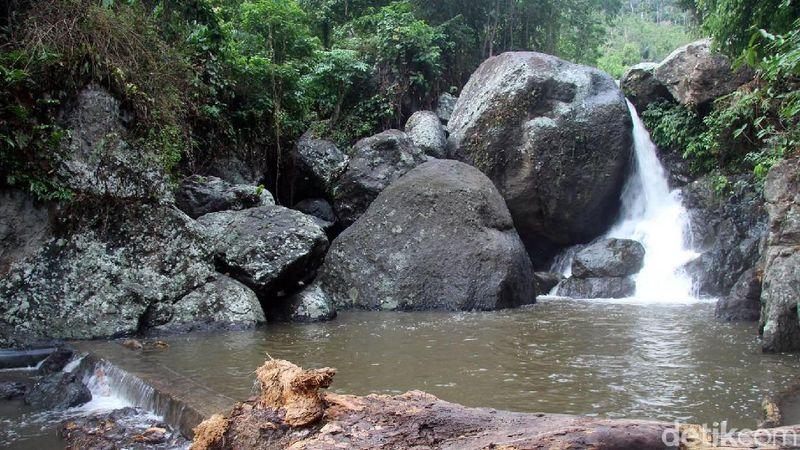 Inilah Air Terjun Limbong Miala di Kabupaten Polewali Mandar, Sulawesi Barat. Letaknya di Desa Kalimbua, Kecamatan Tapango. (Abdy Febriady/detikcom)
