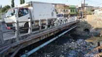 Selokan di Makassar Sudah Jorok, Jangan Ki Buang Sampah Sembarangan!