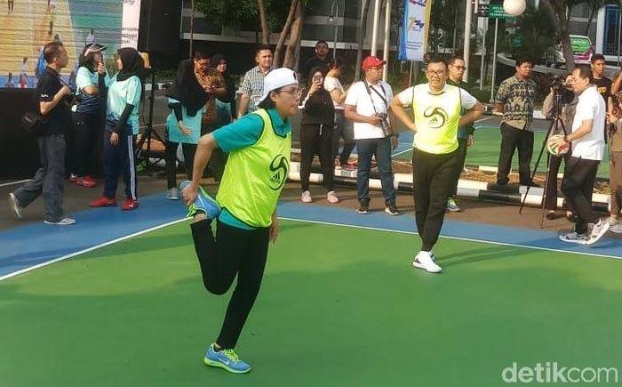 Kementerian Keuangan (Kemenkeu) pagi ini menggelar pertandingan voli dalam rangka perayaan Hari Oeang RI (HORI) Ke-73. Pertandingan voli digelar di Kompleks Kantor Kemenkeu, Jakarta.