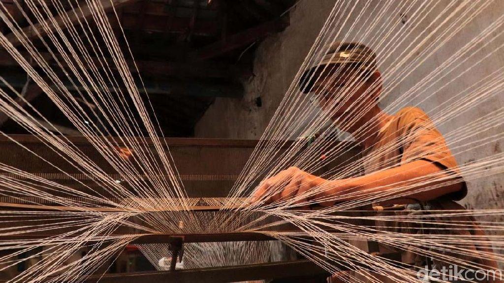 Pengusaha Tekstil Ngadu ke Jokowi Harga Gas dan Listrik Mahal