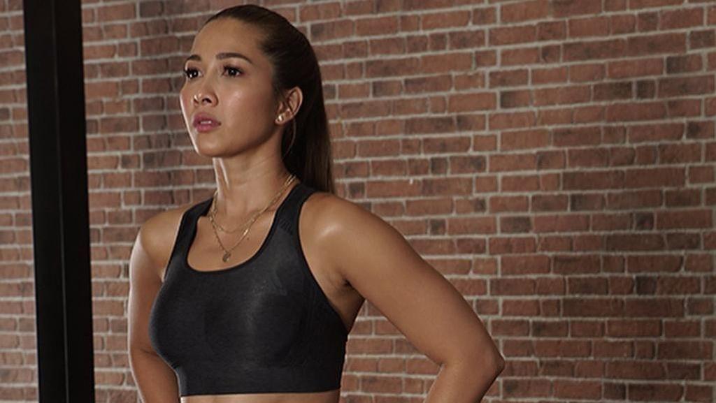 Tetap Olahraga Meski Positif Corona, Ini Menu Latihan Andrea Dian