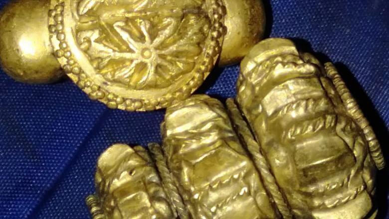 Warga saat berburu harta karun sisa Kerajaan Sriwijaya
