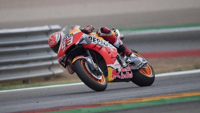 Di tengah keluhan sakit pasca jatuh, Marc Marquez punya peluang mengunci gelar juara dunia MotoGP 2019 (Foto: Mirco Lazzari gp/Getty Images)
