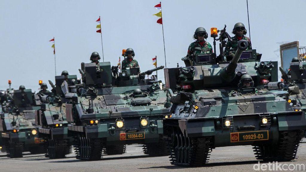 Melihat Parade Alutsista TNI