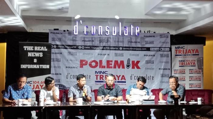 Foto Bayu Dwi Anggono (urutan ketiga dari kiri) Foto: Eva Safitri/detikcom