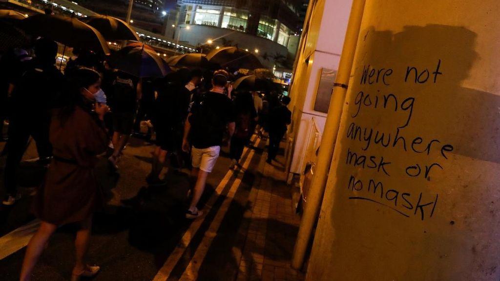 77 Orang Ditangkap karena Langgar Larangan Masker di Hong Kong