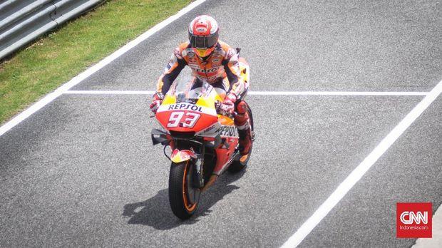Marc Marquez satu-satunya pebalap Honda yang mampu menguasai sepeda motor RC213V.