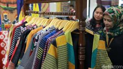 Berbahan Baku Sarung, Blazer Batik Ini Mendunia
