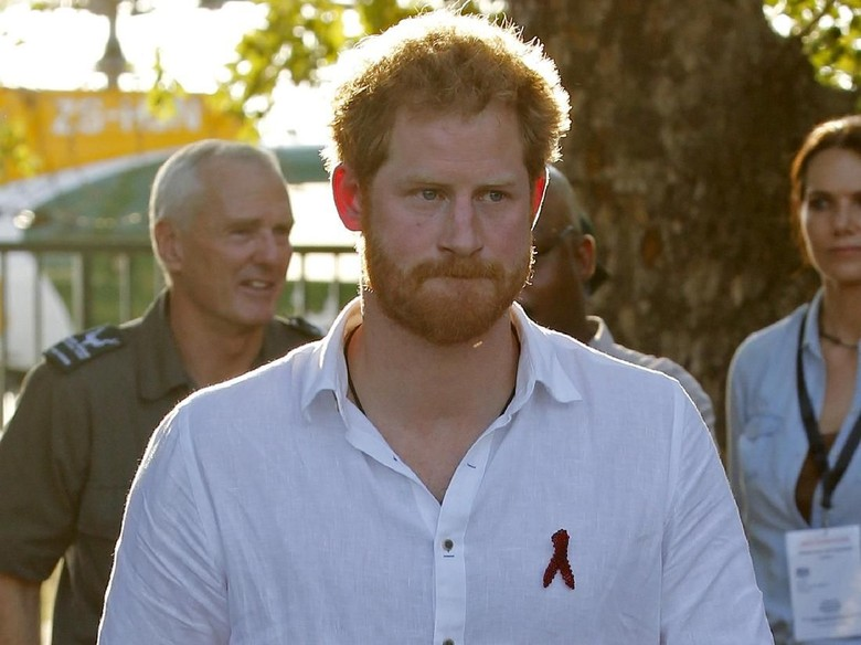 Pangeran Harry. Foto: REUTERS/Siphiwe Sibeko/File Photo