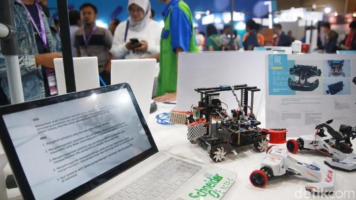 Pameran starpup teknologi dan inovasi industry anak negeri I3E digelar di JCC Jakarta. Pameran ini memperlihatkan sejumlah hasil teknologi di berbagai bidang.