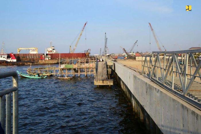 Program Pembangunan Terpadu Pesisir Ibu Kota Negara (PTPIN) atau National Capital Integrated Coastal Development (NCICD) juga bertujuan sebagai perbaikan lingkungan bagi Kota Jakarta. Pool/Kementerian PUPR.