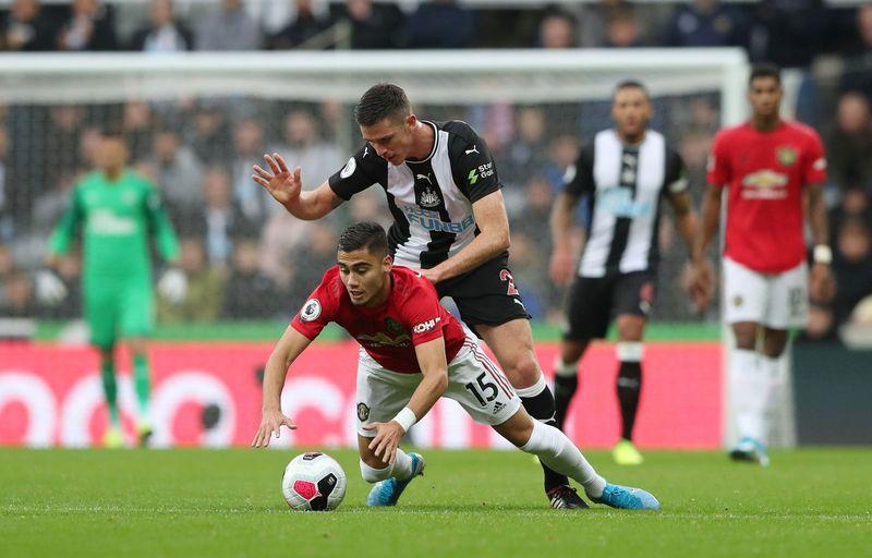 Newcastle United mengalahkan Manchester United 1-0 pada Minggu (6/10) malam di Stadion St James Park. Kekalahan MU ditentukan oleh gol semata wayang Matthew Longstaff di menit ke-72 (Scott Heppell / Reuters)