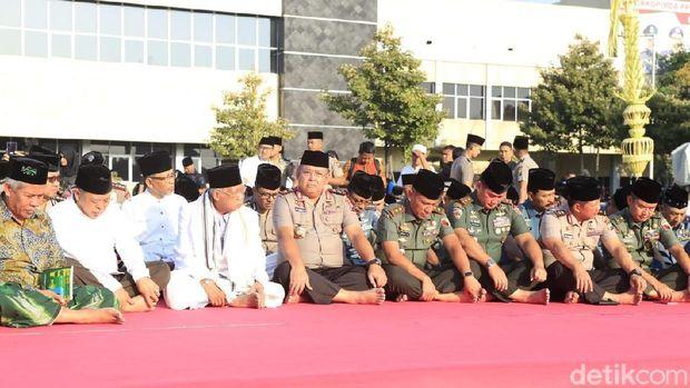 Doa bersama di Mapolda Jatim/
