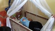 Warga Temukan Bayi Terbungkus Goodie Bag Wagub Banten di Semak Belukar