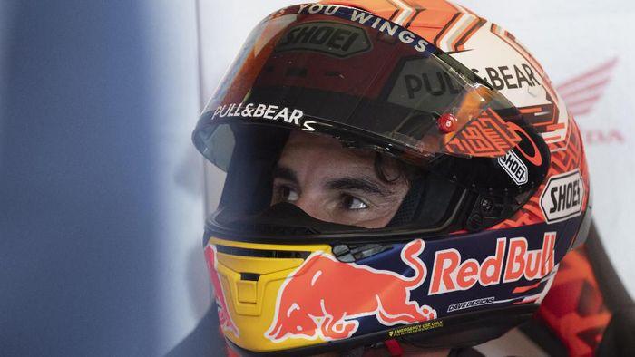 Marc Marquez dalam kondisi yang kurang oke. (Foto: Mirco Lazzari/Getty Images)